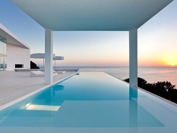 Location de villa a ibiza un s jour de luxe geoploria explorez le monde for Maison luxe ibiza