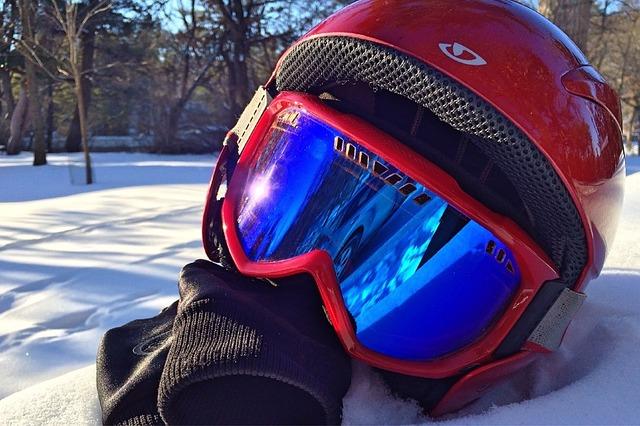ski-599877_640