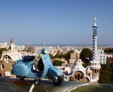 Barcelone autrement grâce à la visite en vespa