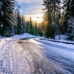 Les équipements nécessaires pour un road trip sur les routes enneigées
