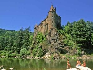 Chateau-lavoute-polignac