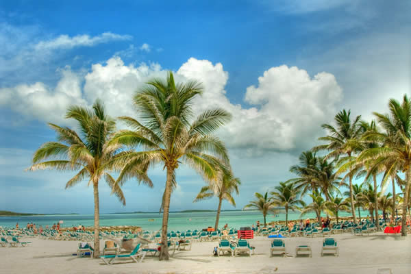 Beaches_in_Nassau,_Bahamas