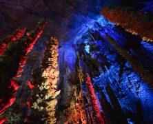 Visite d'une Grotte à plus de 100 mètres sous la surface de la Terre