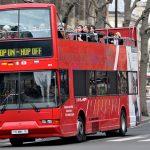 Visiter Paris en groupe à bord d'un bus