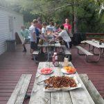 Bien manger au camping : astuces et aliments à toujours avoir sur soi